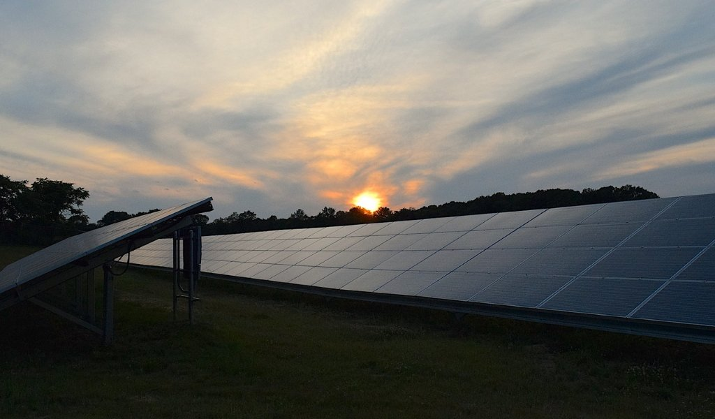 Does Solar Panel Work at Night and Cloudy Days?