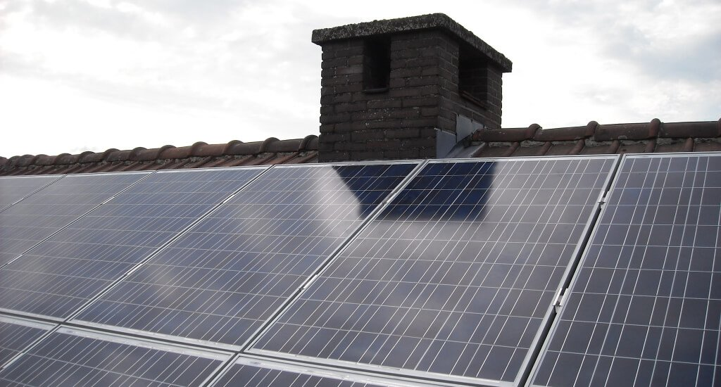 is it worth renting solar panels? - buy or lease solar panels