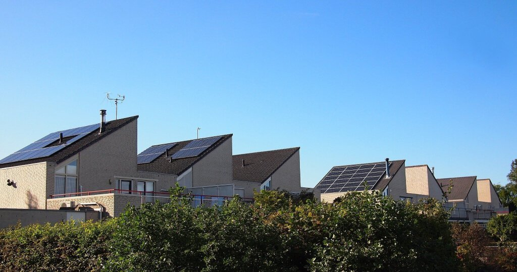 solar panels purchase cash or loan - buy or lease solar panels